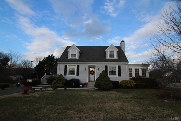 Cape Cod, Single Family Residence - Lynchburg, VA (photo 1)