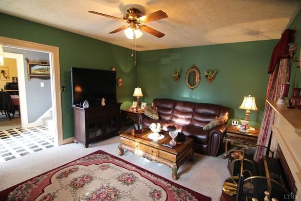 Cape Cod, Single Family Residence - Lynchburg, VA (photo 5)