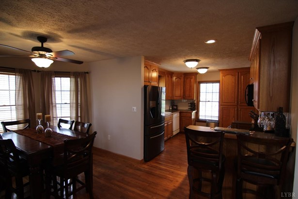 Cape Cod, Single Family Residence - Madison Heights, VA (photo 4)