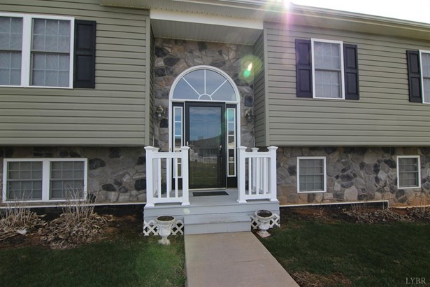 Single Family Residence, Split Foyer - Madison Heights, VA (photo 2)