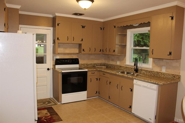 Single Family Residence, Split Foyer - Lynchburg, VA (photo 4)