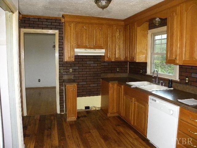 Single Family Residence, Two Story - Altavista, VA (photo 2)