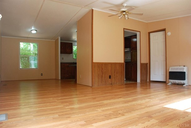 Single Family Residence, Doublewide - Concord, VA (photo 5)