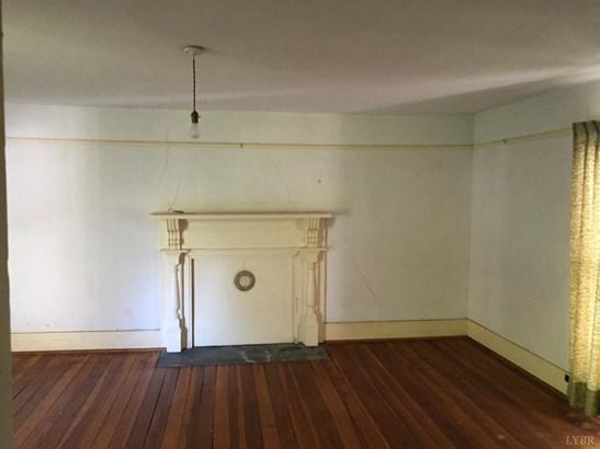 Single Family Residence, Victorian - Brookneal, VA (photo 4)