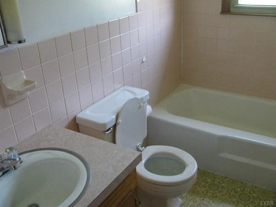 Single Family Residence, Ranch - Hurt, VA (photo 4)