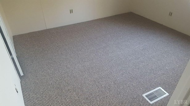 Single Family Residence, Doublewide - Gretna, VA (photo 5)