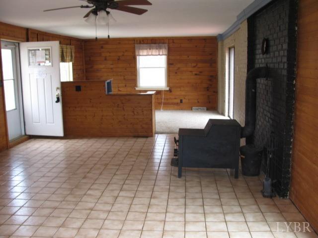Single Family Residence, Contemporary - Monroe, VA (photo 3)