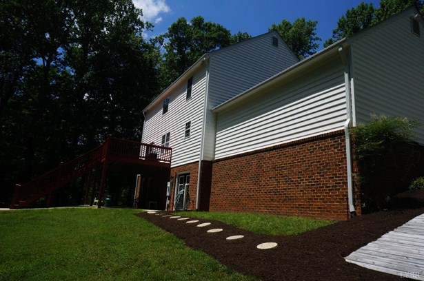 Single Family Residence, Two Story - Lynchburg, VA (photo 3)