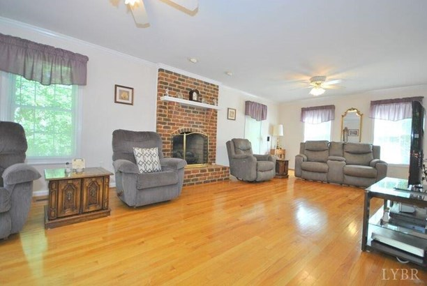 Single Family Residence, Two Story - Lynchburg, VA (photo 5)