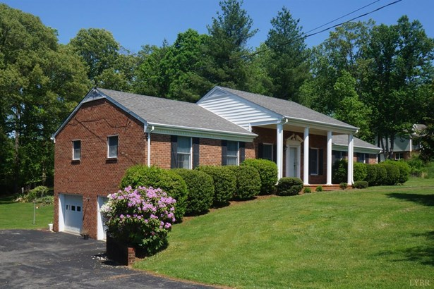 Single Family Residence, Ranch - Lynchburg, VA (photo 2)