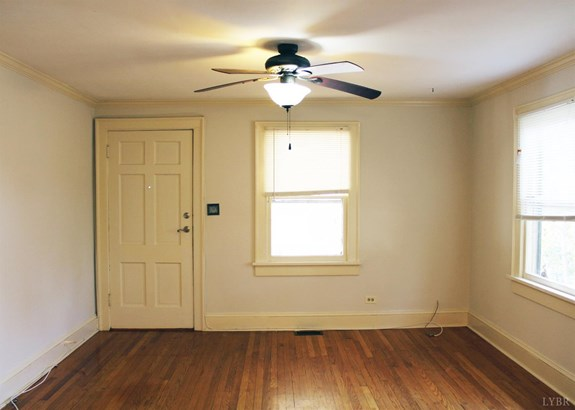 Single Family Residence, Bungalow - Lynchburg, VA (photo 3)