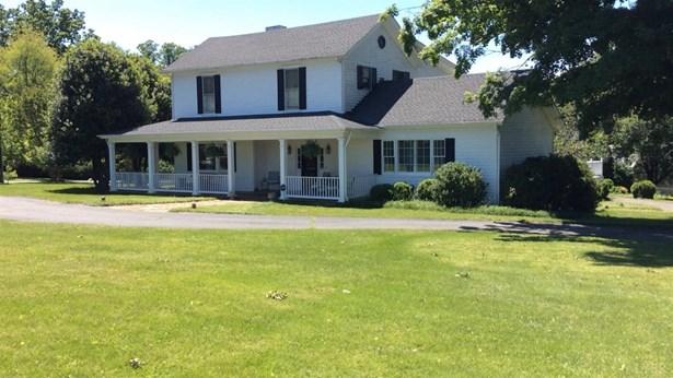 Farm House, Single Family Residence - Lynchburg, VA (photo 2)