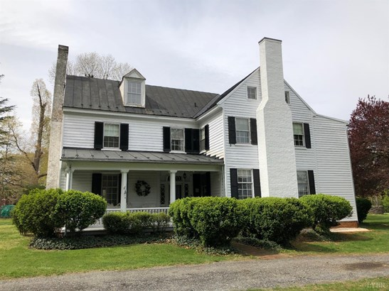 Farm House, Single Family Residence - Lynchburg, VA (photo 1)