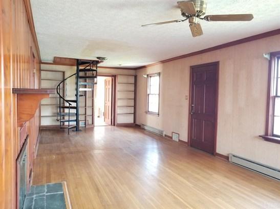 Single Family Residence, Bungalow - Lynchburg, VA (photo 4)