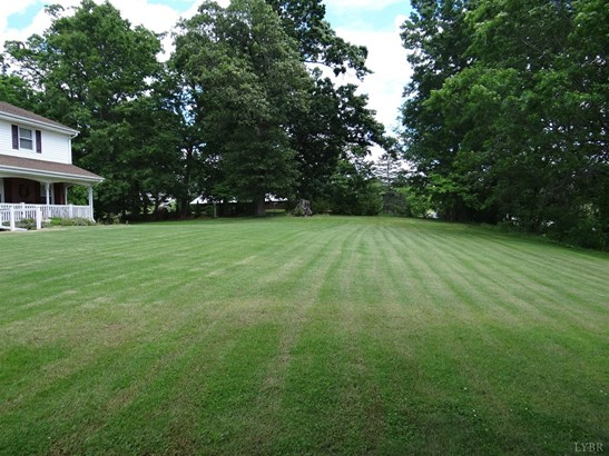 Single Family Residence, Two Story - Thaxton, VA (photo 5)