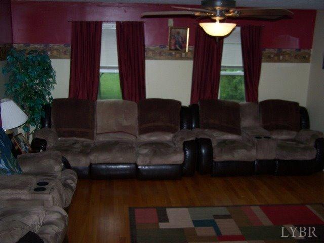 Cape Cod, Single Family Residence - Concord, VA (photo 3)