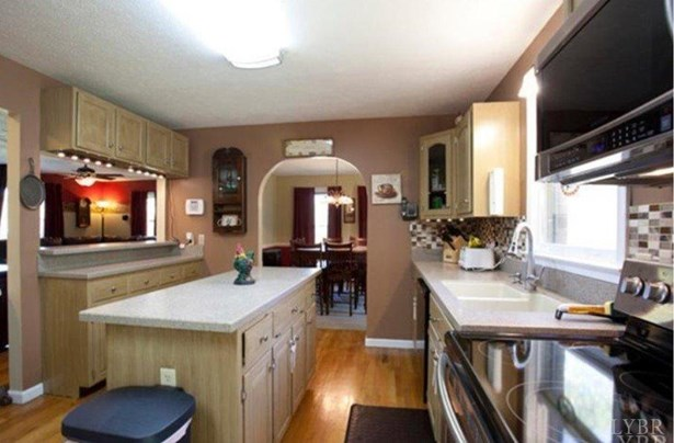 Cape Cod, Single Family Residence - Concord, VA (photo 5)