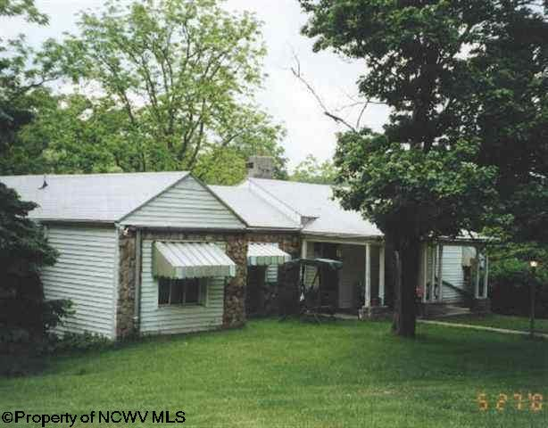 Ranch, Detached - Fairmont, WV (photo 1)
