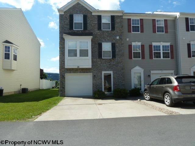 Townhouse, Colonial - Morgantown, WV (photo 1)