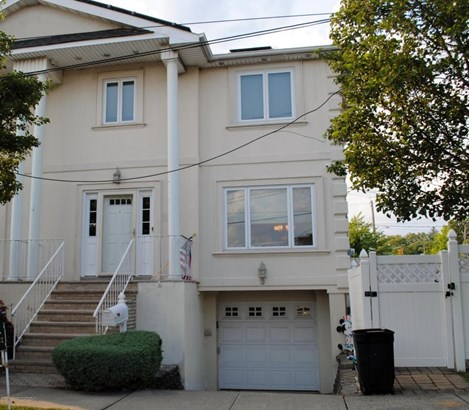 Colonial, Single Family - Semi-attached,Colonial - Staten Island, NY (photo 1)
