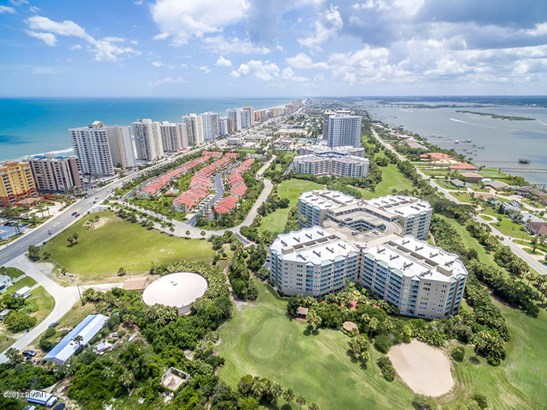 Condominium - Daytona Beach Shores, FL (photo 4)