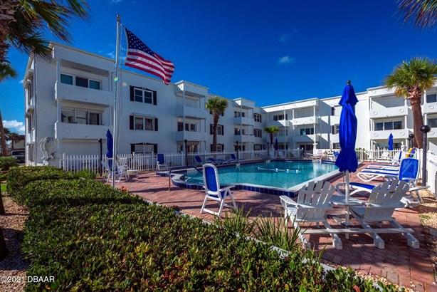 Mediterranean, Condominium - Ormond Beach, FL