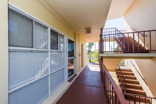 Condominium - Daytona Beach, FL (photo 4)