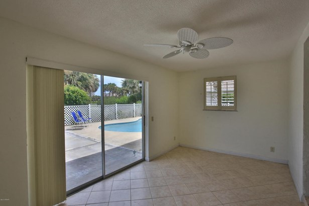 Ranch, Single Family - Flagler Beach, FL (photo 5)