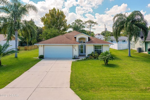 Ranch, Single Family - Edgewater, FL