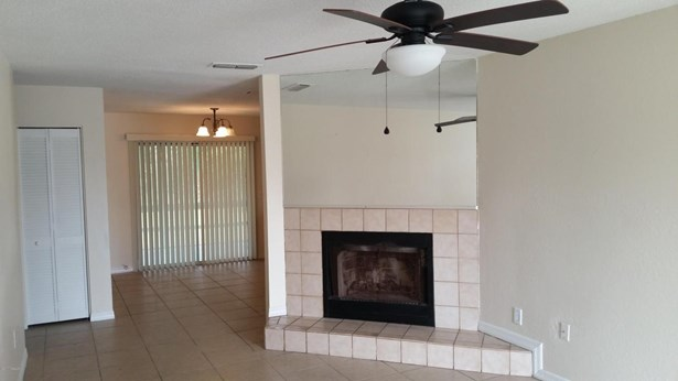 Ranch, Single Family - Holly Hill, FL (photo 3)