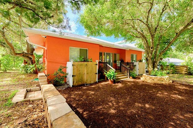 Single Family Residence, Custom - NEW SMYRNA BEACH, FL