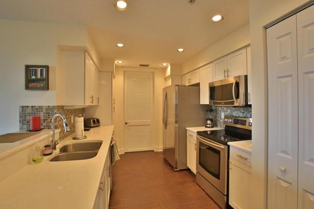 Condominium, Modern - Ponce Inlet, FL (photo 3)