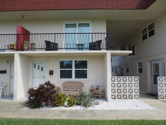 Condominium, Traditional - Daytona Beach Shores, FL (photo 1)