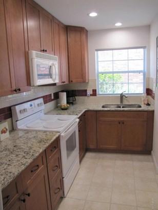 Condominium, Colonial - South Daytona, FL (photo 4)
