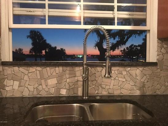 Colonial, Single Family - Daytona Beach, FL (photo 2)