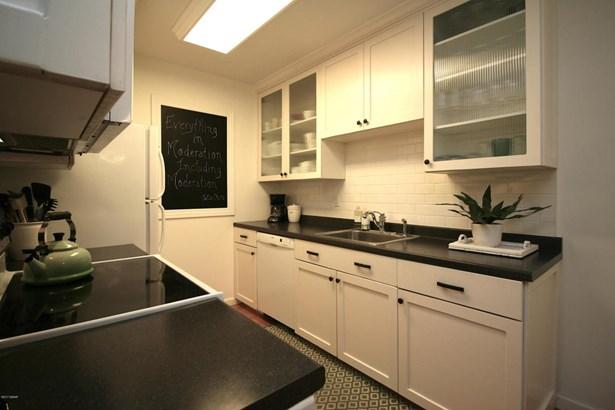 Condominium - Holly Hill, FL (photo 5)