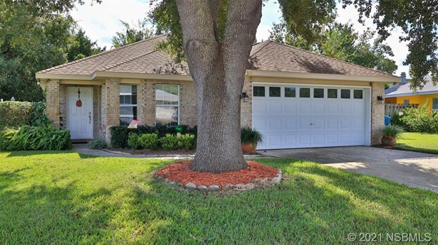 Single Family Residence - Ormond Beach, FL