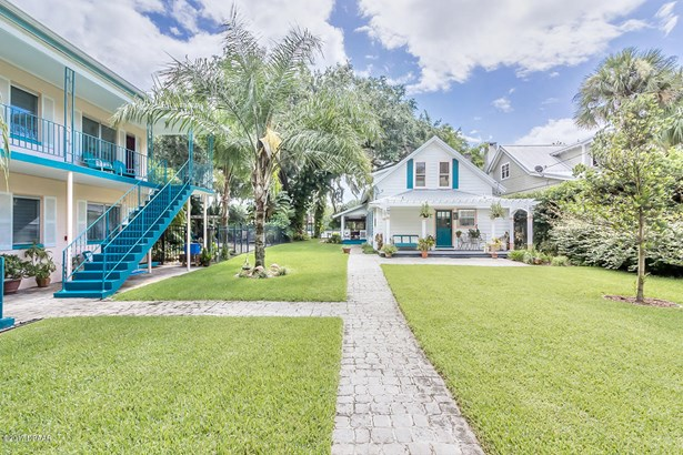 Bungalow,Traditional, Single Family - Astor, FL (photo 1)