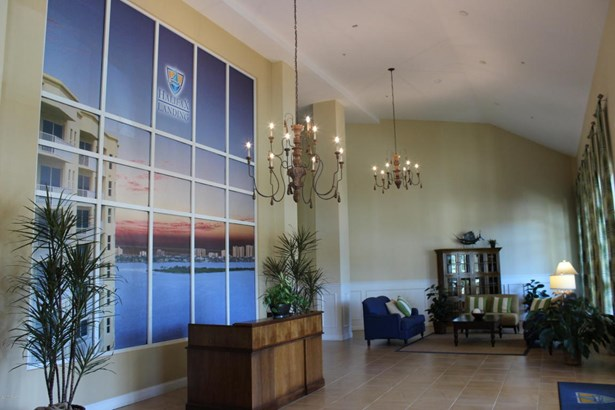 Condominium, Modern - South Daytona, FL (photo 3)
