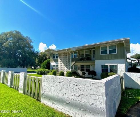 Condominium - Holly Hill, FL