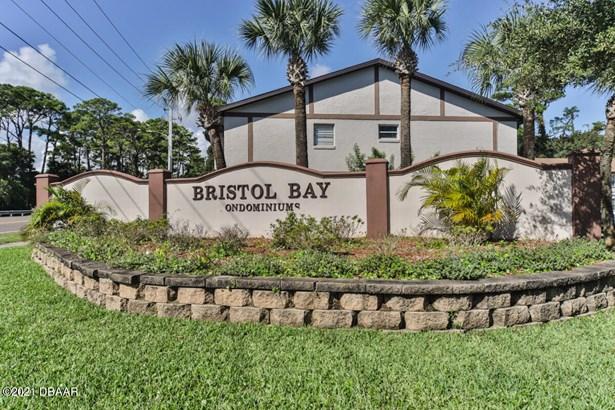 Condominium - South Daytona, FL