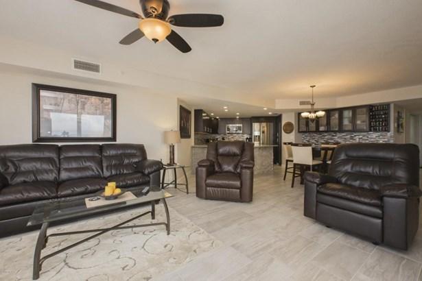 Condominium, Modern - Daytona Beach Shores, FL (photo 3)