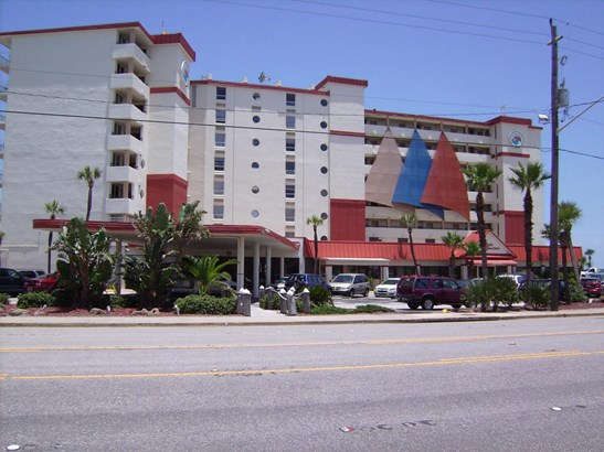 Condotel - Daytona Beach Shores, FL