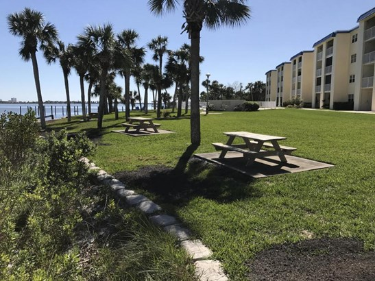 Condominium - South Daytona, FL (photo 5)