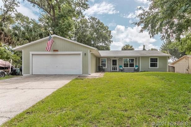 Single Family Residence - Edgewater, FL