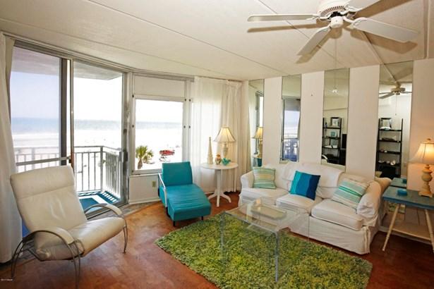 Condominium - Daytona Beach Shores, FL (photo 2)