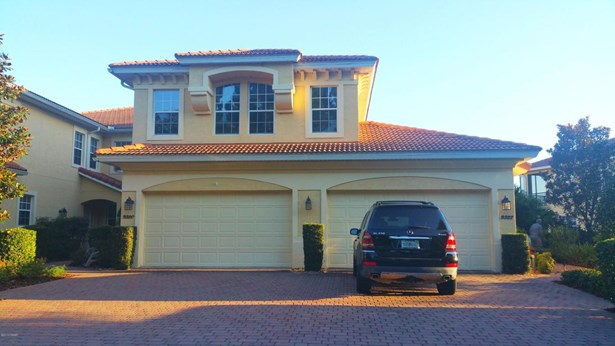 Mediterranean, Condominium - Howey-in-the-Hills, FL (photo 1)