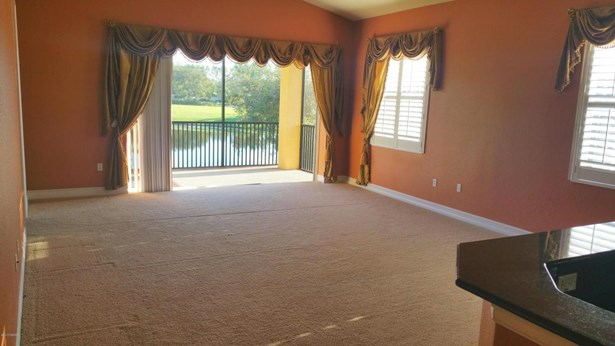 Mediterranean, Condominium - Howey-in-the-Hills, FL (photo 4)