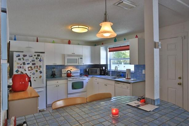 Bungalow, Single Family - Port Orange, FL (photo 2)