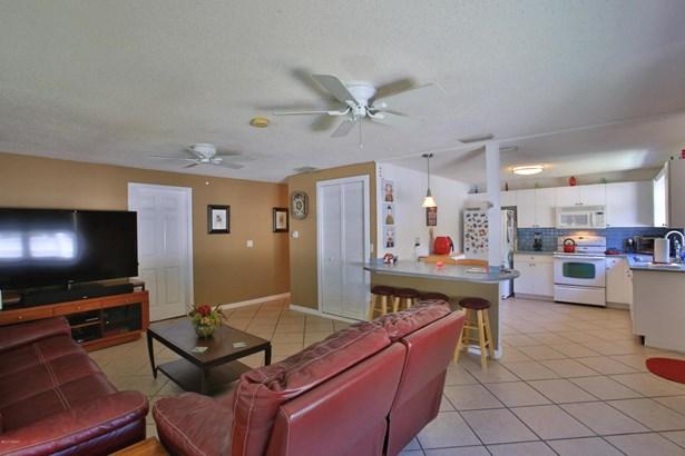 Bungalow, Single Family - Port Orange, FL (photo 4)